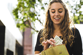 how to save money on housing for college students